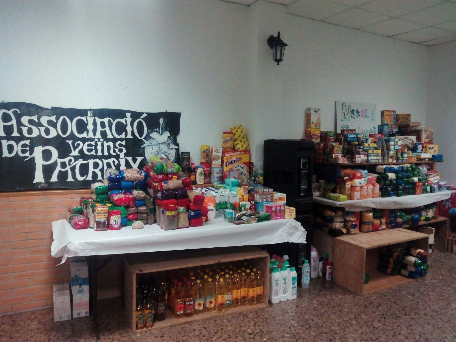 Reparto de alimentos del Nadal Solidari