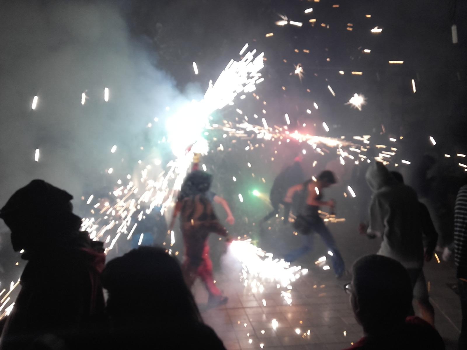 Pregó i Correfocs donen inici a la XXV edició de les Festes Populars del barri de Patraix