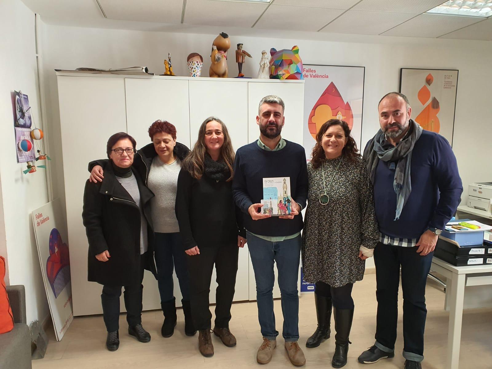 La Asociación Vecinal de Patraix se reúne con el concejal Pere Fuset para informarle de los actos del 150 aniversario de la anexión del antiguo pueblo a la ciudad de València